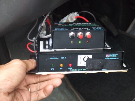 thiết bị giám sát hành trình xe