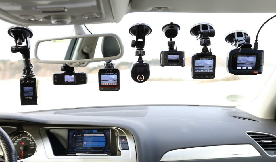 Với Camera hành trình này, bạn sẽ không bao giờ sợ lạc đường